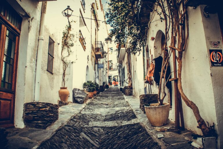 Ayudas a establecimientos hoteleros, apartamentos turísticos, campamentos de turismo y complejos turísticos rurales en Andalucía